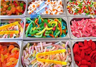 doces-diversos-em-bandejas