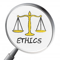 lupa-e-balanca-de-etica